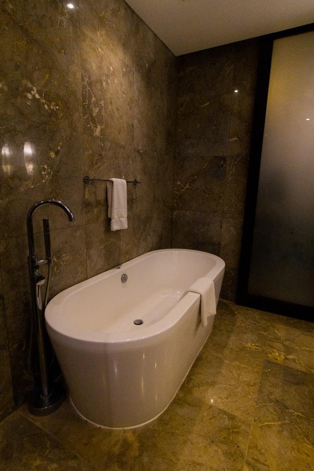 Renovating Your Bathroom | Bathtub Refinishing | Jersey City Tub Reglazing